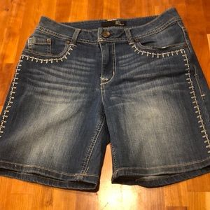 1822 Denim Shorts with Embroidered Detail Size 6
